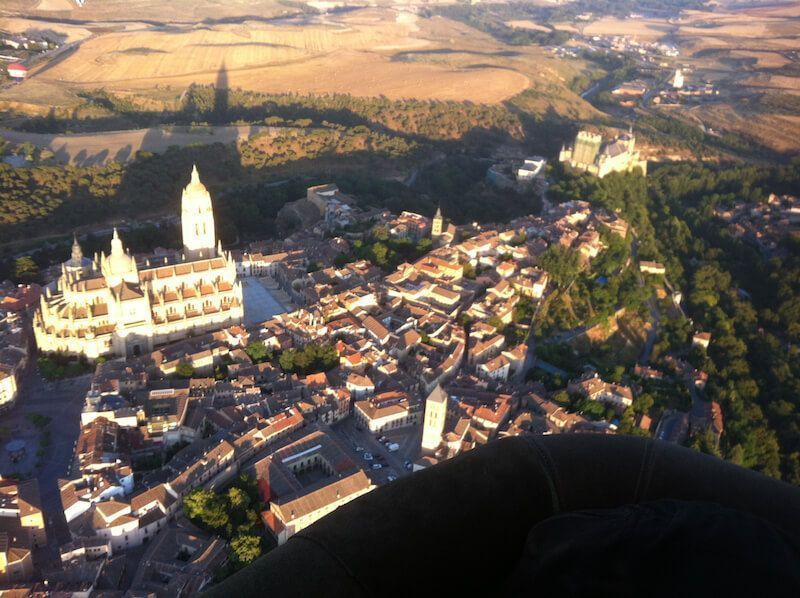 Dónde puedo viajar en globo aerostático Segovia