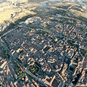 Viaje en globo en Ávila. Muralla de Ávila desde el globo