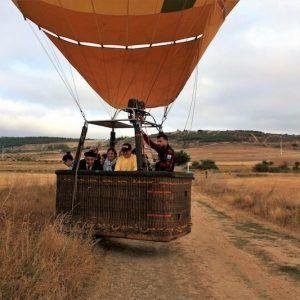 Aterrizando en el vuelo en globo en Astorga