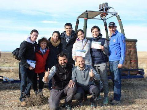 Diploma, video y fotos tras el viaje en globo